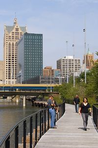 Milwaukee Images Image of the Day 090829 3924
