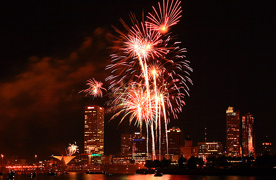 110504 fireworks 7156
