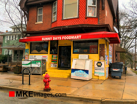 A Cloudy Day at Sunny Days - MKEimages 9878