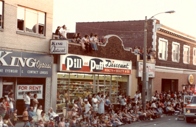 Pill-and-puff-mkeimages-editorial-photography-western-days-parade-1979-0503bf