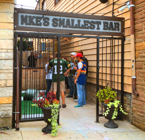 Milwaukees-Smallest-Bar--MKEimages-Creative-Photo-Designs-Editorial-Photography-4720