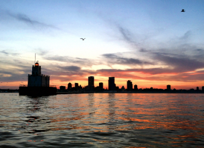 Lighthouse-Sunset-Milwaukee-MKEimages-Creative-Photo-Designs-Editorial-Photography-1852fb