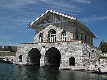 Rock_island_boat_house_7927
