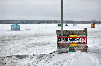Ice_fish_parking_5711