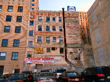 Ghost Sign 8735