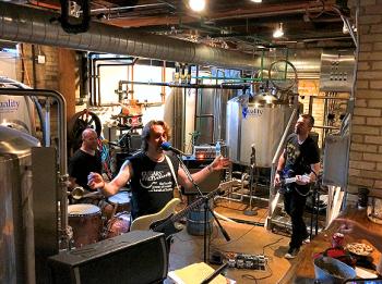 Rockin' in a Brewery 3099