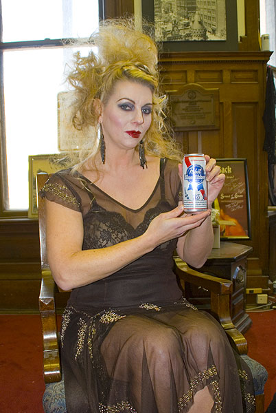 Pabst Tall Boy Poses With Model Heather 3329